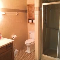 bathroom-2-sullivans-vacation-rental